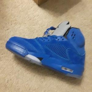 88764d1159b0 Jordan Shoes - ON HOLD PENDING SALE Jordan Retro 5 WOMEN